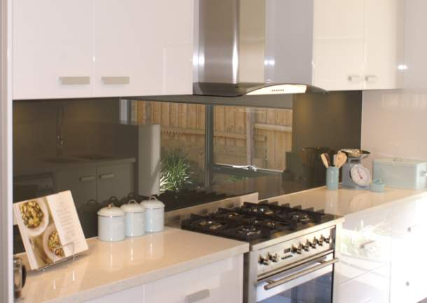 Szklane panele w kuchni